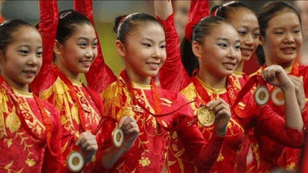 Estados Unidos sirve en bandeja a China su primer título por equipos