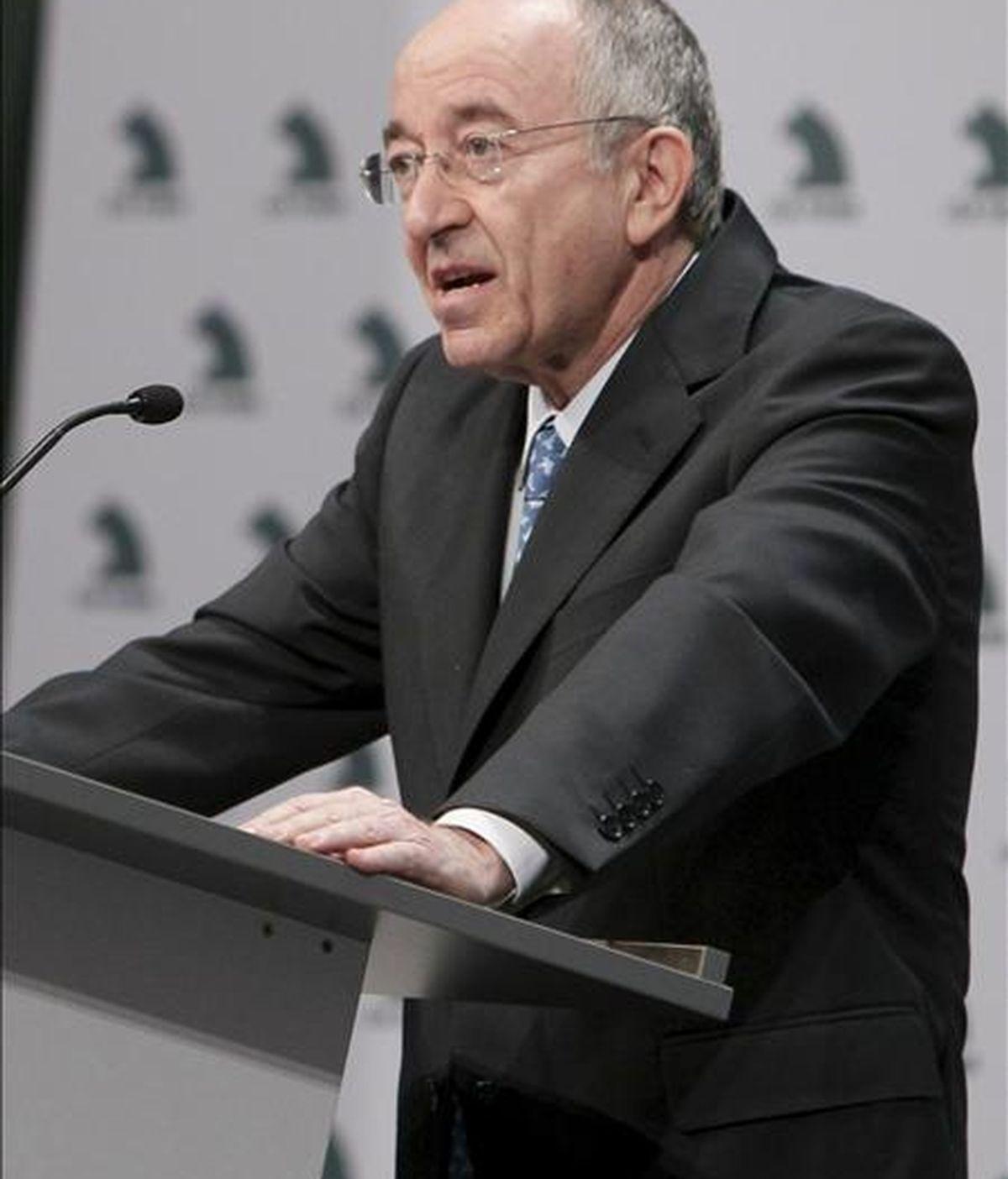 El gobernador del Banco de España, Miguel Ángel Fernández Ordóñez, ha pedido a las cajas que aceleren sus fusiones.  Vídeo: Informativos Telecinco