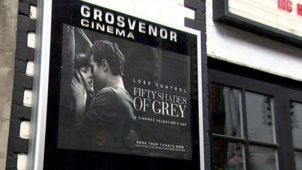 Tres mujeres atacan a un hombre en el estreno de 'Cincuenta sombras de Grey'