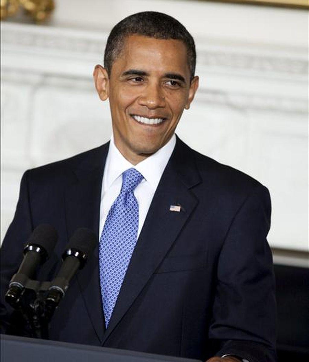 El presidente de los EE.UU., Barack Obama, firmó la medida en una ceremonia privada y con la presencia tan sólo de fotógrafos por parte de los medios. EFE