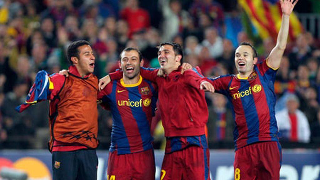Thiago Alcántara, Javier Mascherano, Davis Villa y Andrés Iniesta, celebran el paso de los blaugranas a la final de la Liga de Campeones. Foto: EFE.