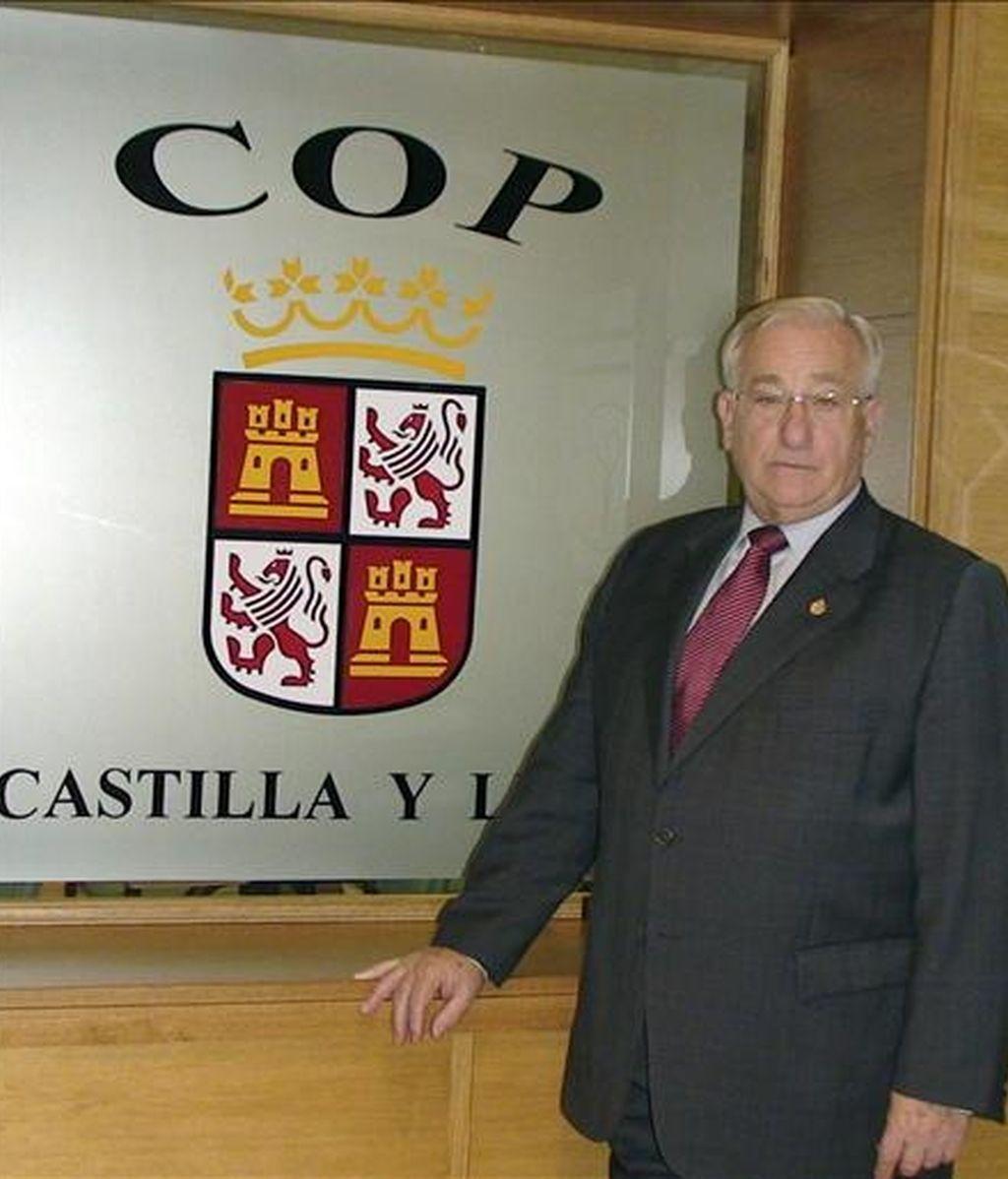 El decano del Colegio de Psicólogos de Castilla y León y vicepresidente del Consejo General de Colegios de Psicólogos de España, Eduardo Montes, durante la entrevista que concedió a Efe. EFE