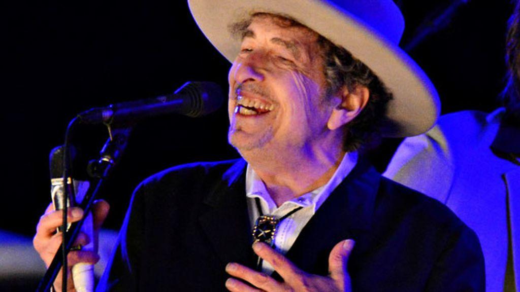 La Academia Sueca no ha podido contactar aún con Bob Dylan tras concederle del Nobel