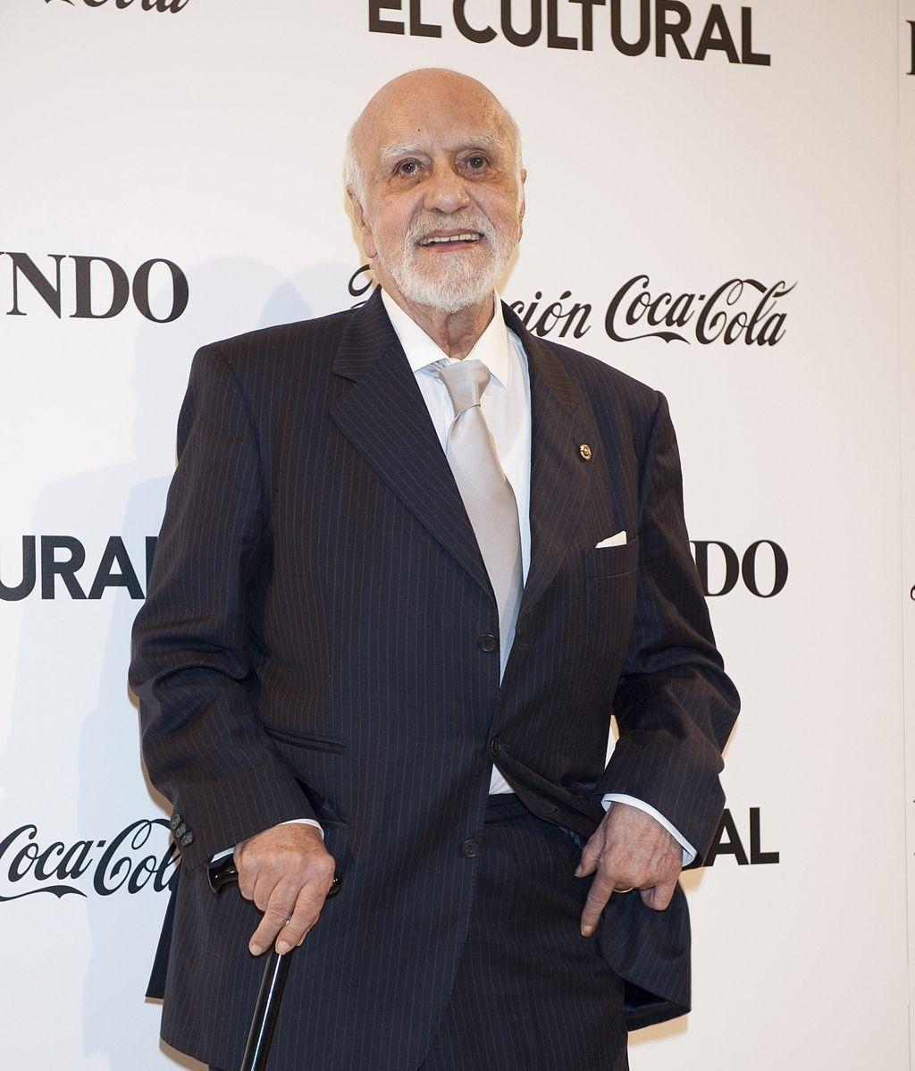 Francisco Nieva   (10 noviembre)