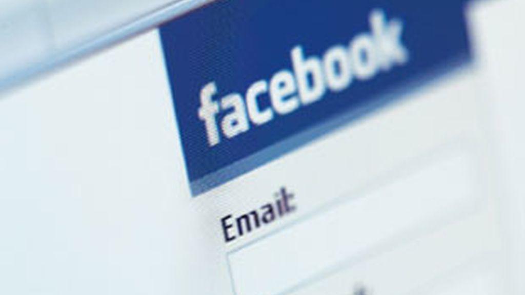 Cuatro senadores de EEUU piden que la red social aumente los controles. Foto: Facebook.