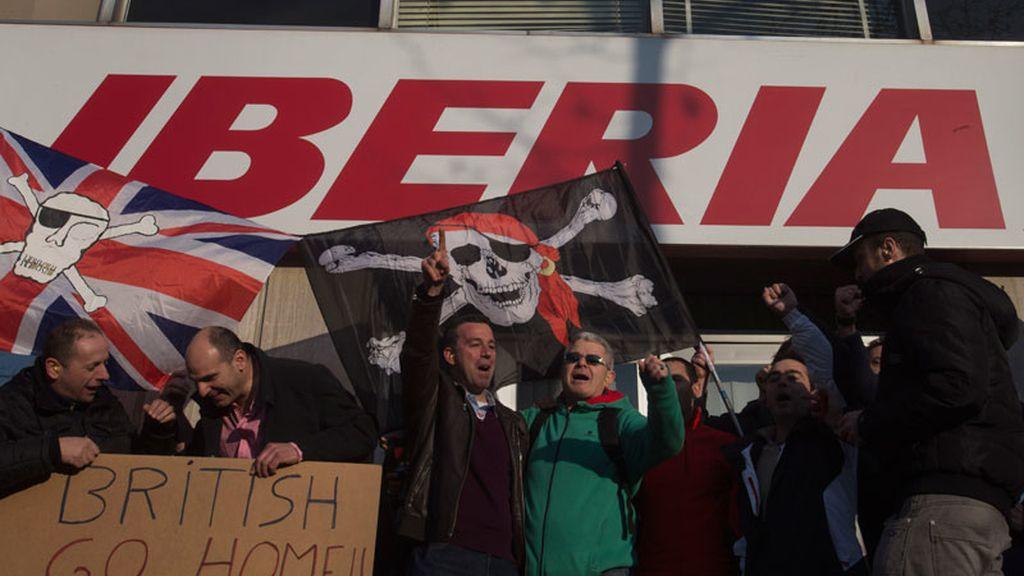 Concentración en la sede de Iberia contra los despidos