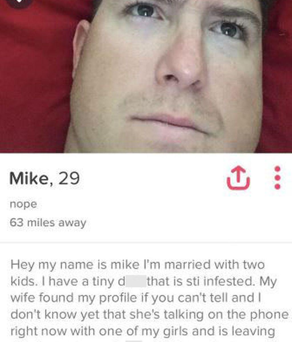 Se venga de su marido tras descubrir que le era infiel en Tinder