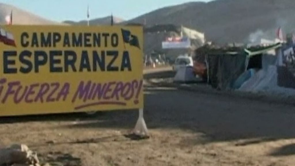 33 mineros atrapados en Chile