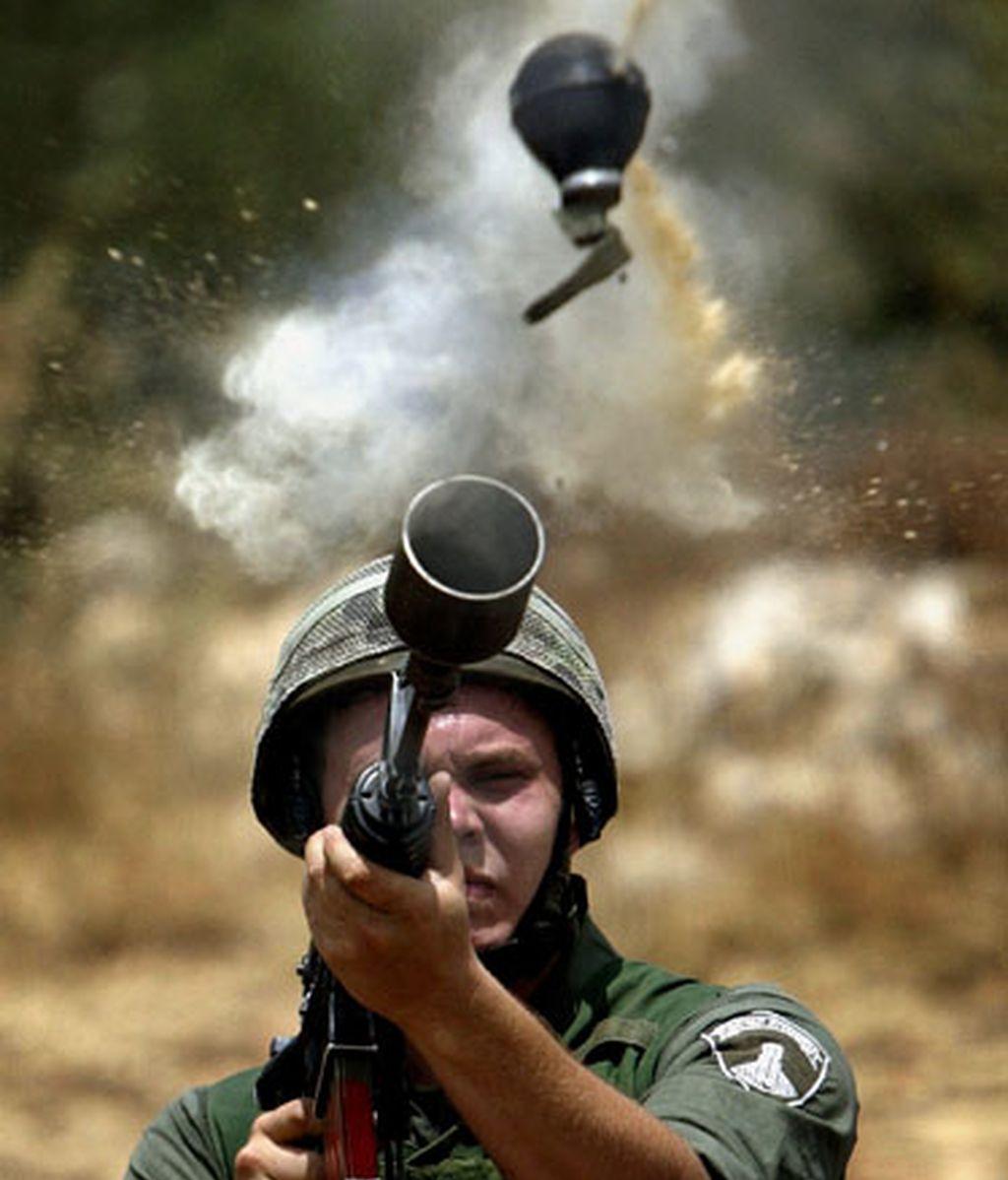 Policia dispara gas lacrimógeno en la frontera israelí