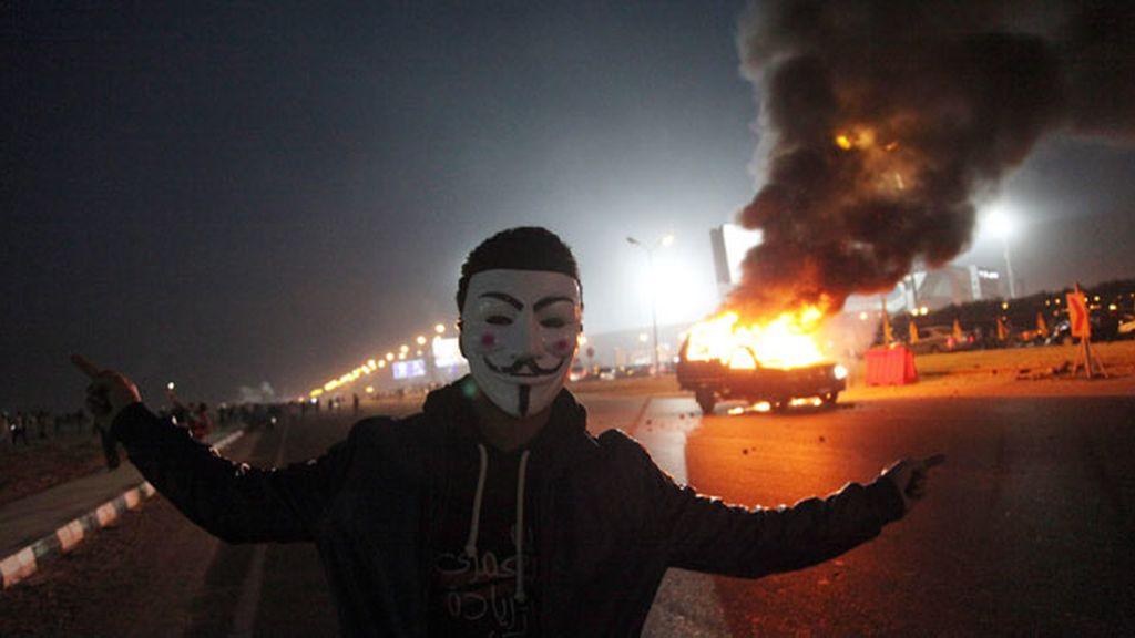 Más de una veintena de muertos en los disturbios entre aficionados al fútbol y la policía de El Cairo