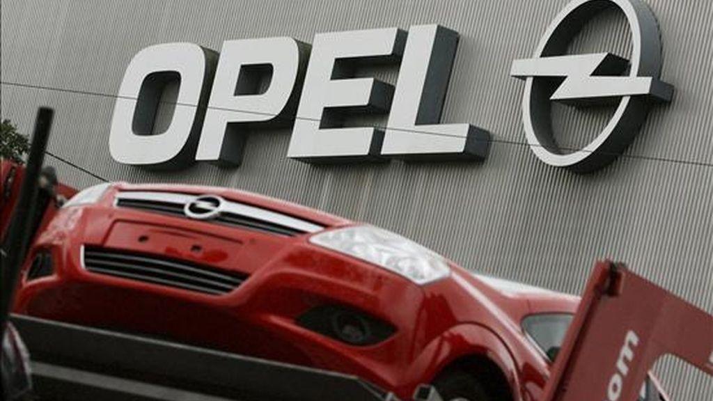 Vista del logo de Opel en la fábrica de la empresa en Bochum (Alemania). EFE/Archivo