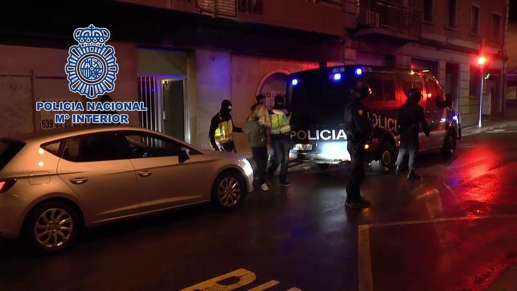Detenido en Manresa un hombre por difundir ideario yihadista en Internet