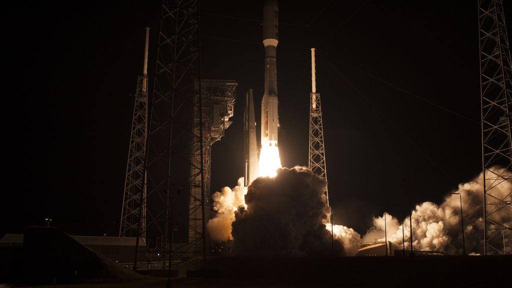 Otro cohete que asciende al espacio