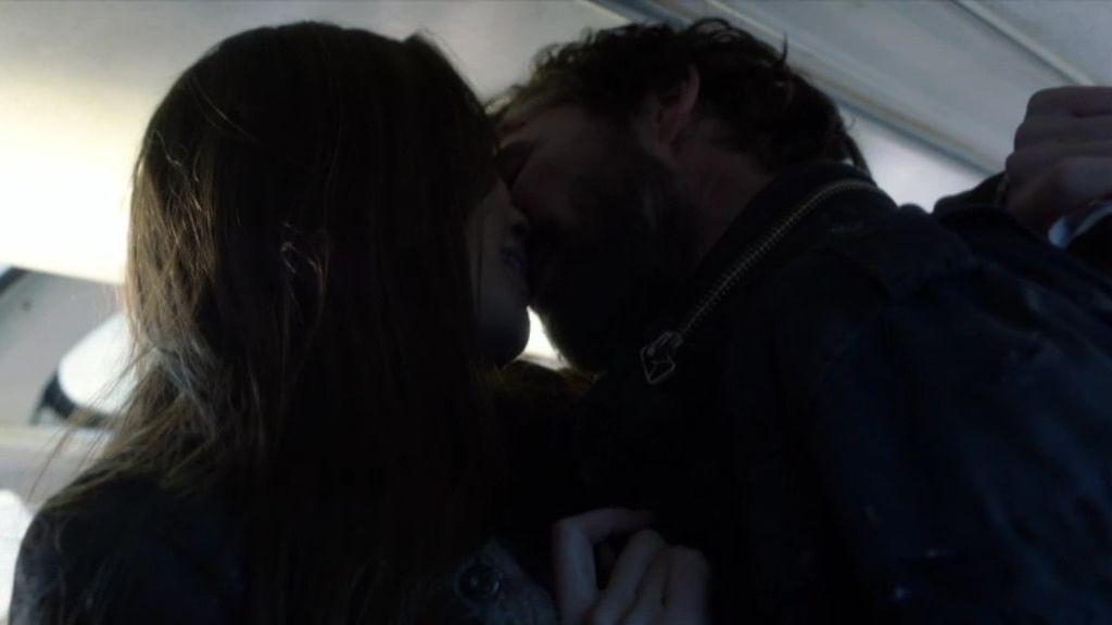 Tom Mason y la doctora Anne se reencuentran con el amor