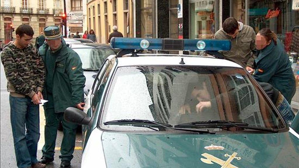 Imagen de otra detención de ciudadanos rumanos. EFE/Archivo