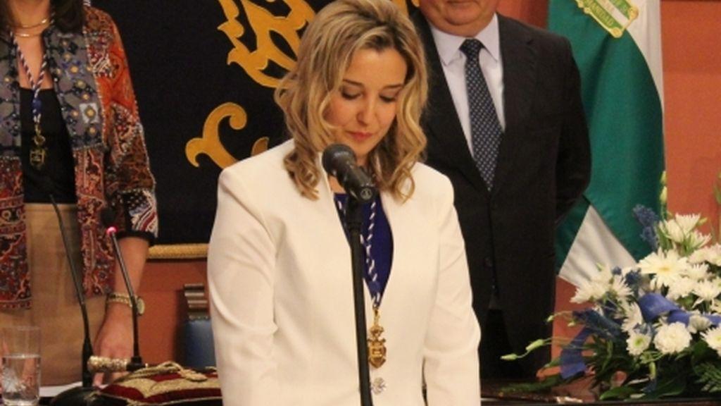 """Las concejalas deberán ir con """"ropa de vestir (no pantalones)"""" al pleno de Alcalá de Guadaíra"""