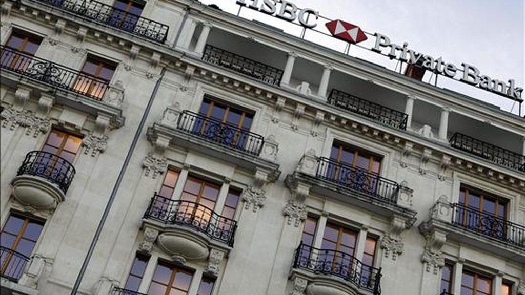 Vista de la fachada de la sede del banco HSBC en Ginebra (Suiza). EFE/Archivo