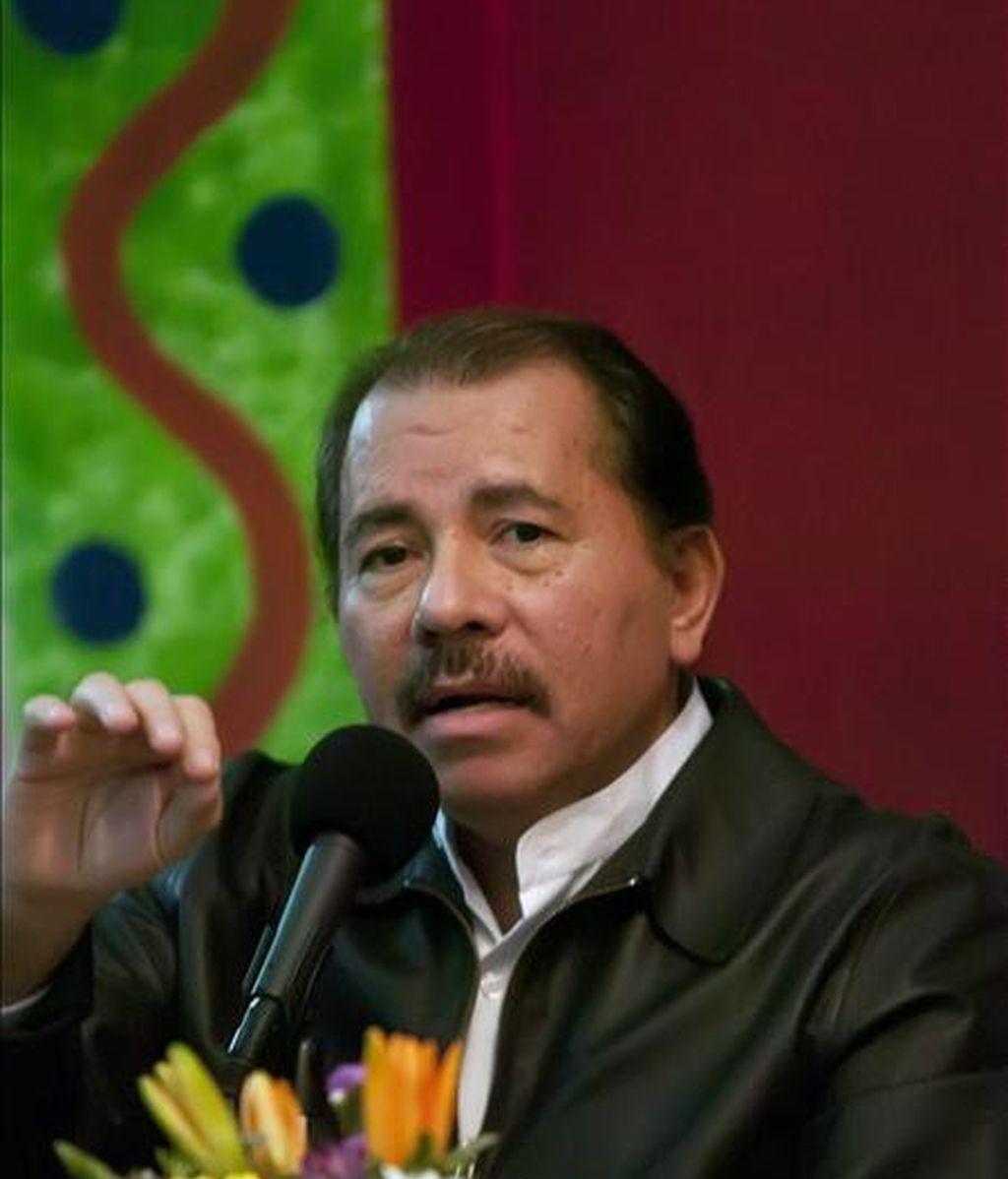 El presidente nicaragüense, Daniel Ortega, ofrece una rueda de prensa, este 30 de septiembre, en la secretaria del frente sandinista en Managua (Nicaragua). EFE