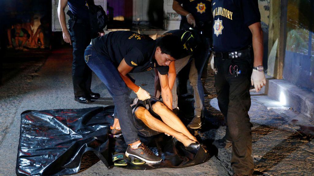 Un drogadicto asesinado en plena calle de Manila