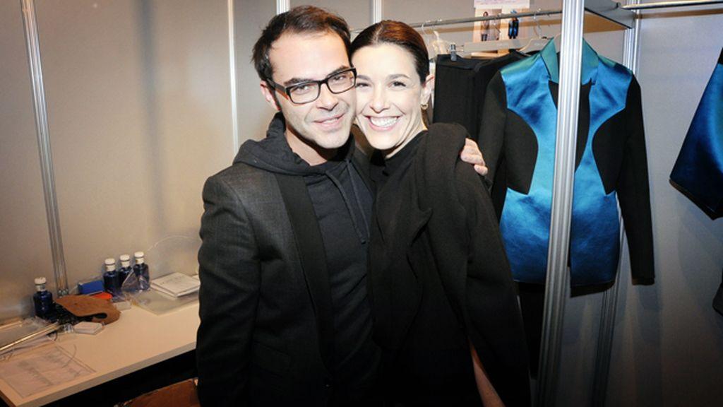 Ion Fiz entre bambalinas junto a su musa Raquel Sánchez Silva