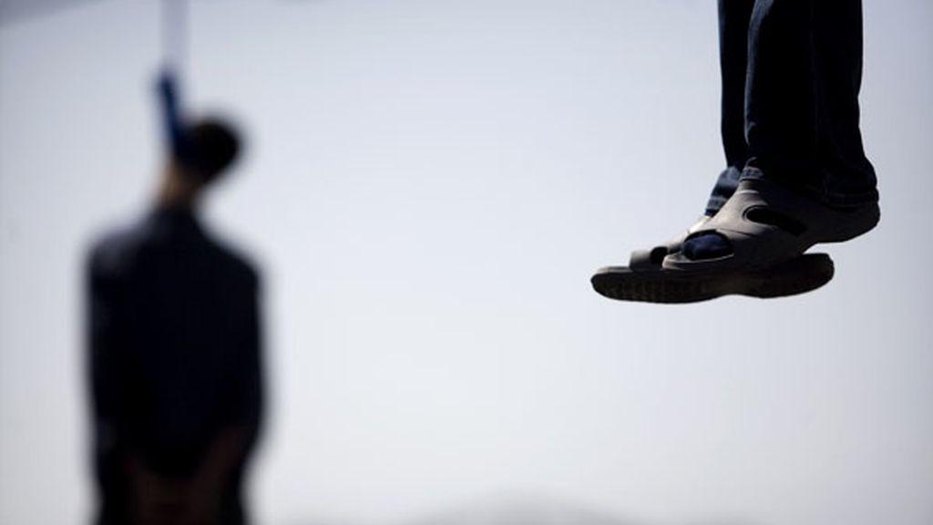 Hombre ahorcados tras matar a un juez en Irán