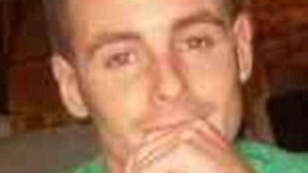 Imagen de Wesley Sharples, el joven británico de 23 años que puede ser la última víctima del 'Meow Meow'. Foto: Daily Mail.