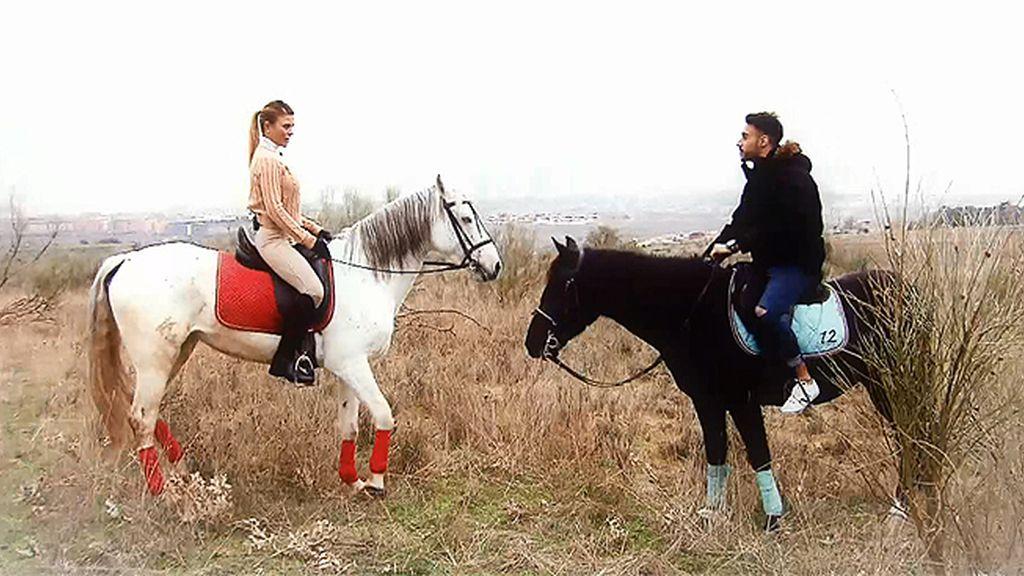Un romántico paseo a caballo