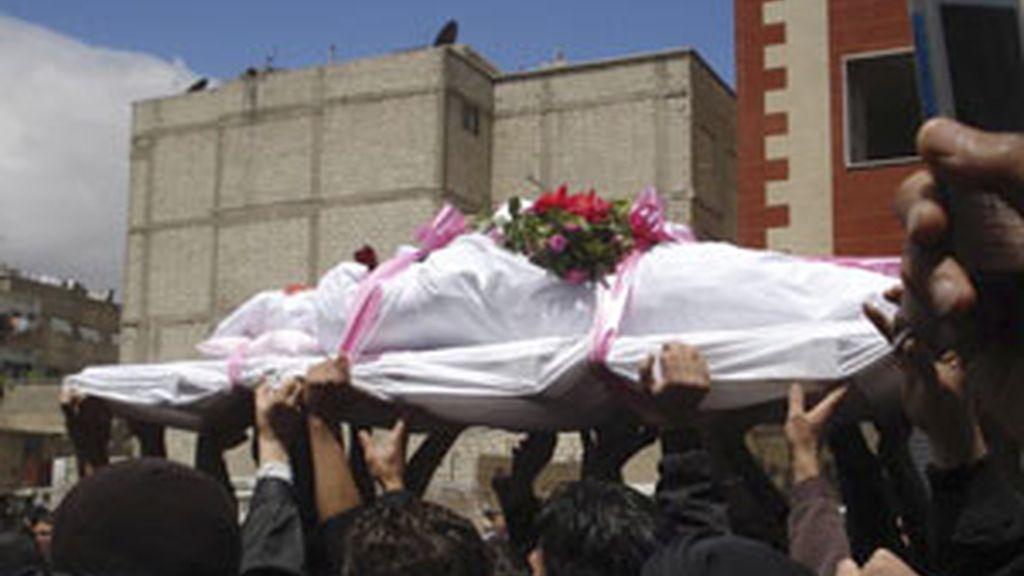 Varios centenadres de personas han muerto desde que comenzaron las protestas. Vídeo: Informativos Telecinco.
