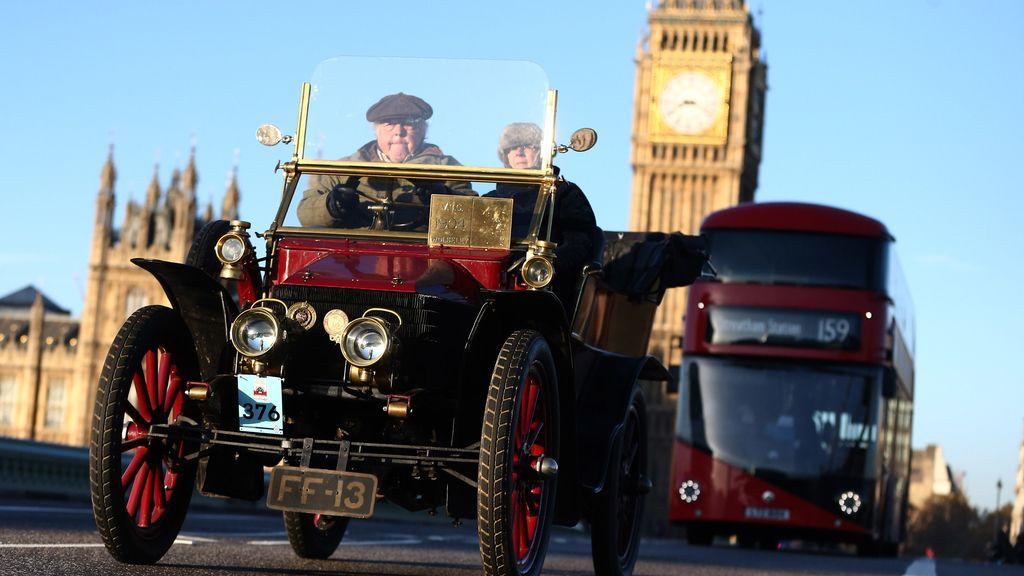Londres desempolva los coches del pasado