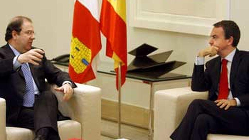 Zapatero retoma su ronda de contactos con los presidentes autonómicos . Vídeo: ATLAS.