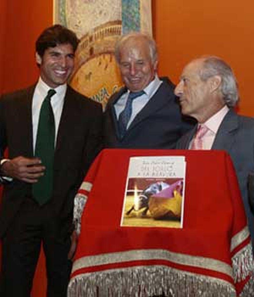 Imagen de la presentación del libro. FOTO: MUNDOTORO