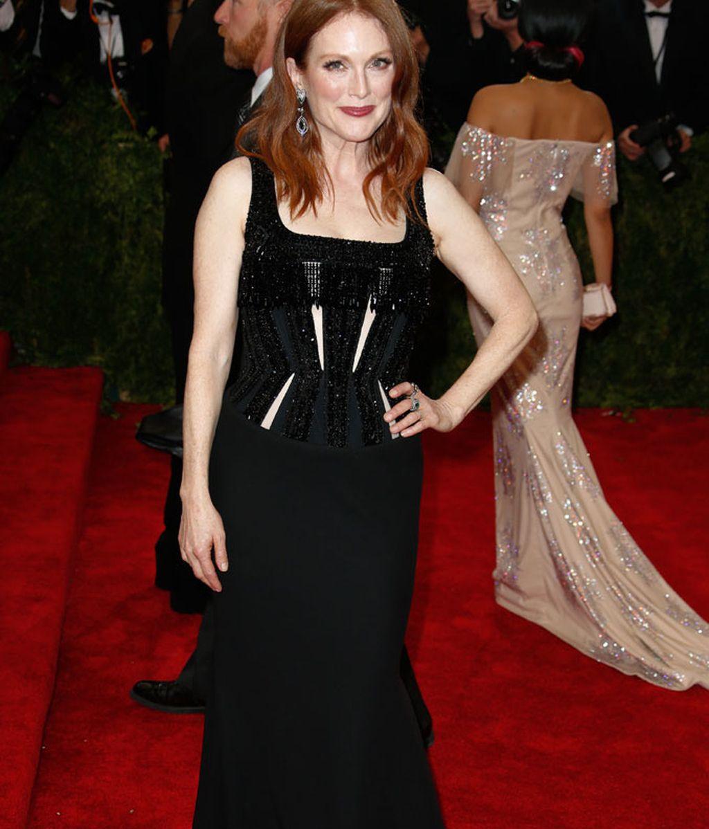 Julianne Moore con vestido de Givenchy