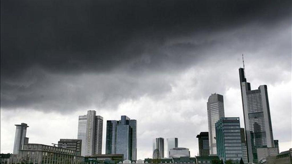 Un cielo nublado sobre la ciudad alemana de Frankfurt. EFE/Archivo