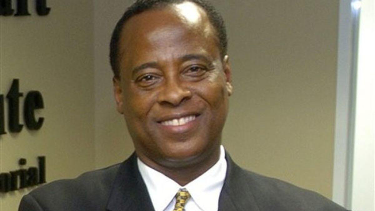Conrad Murray, médico personal de Michael Jackson en el momento de su muerte, vuelve a ejercer su profesión en una clínica de Houston.