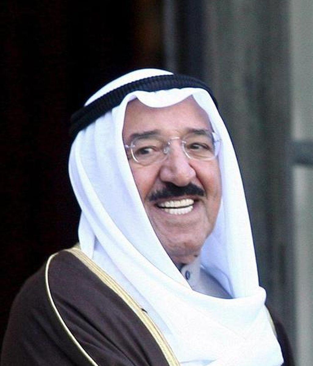 """En su discurso durante la inauguración de la cumbre, el emir de Kuwait, jeque Sabah al Ahmed al Jaber Al Sabah, lamentó las dificultades que sufre el proceso de paz en Oriente Medio por """"la testarudez de Israel y su insistencia en seguir construyendo asentamientos en Palestina"""". EFE/Archivo"""