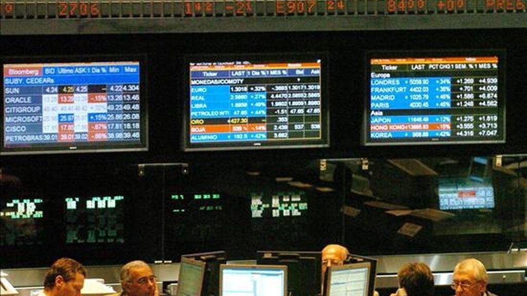 A las 11.15 hora local (14.15 GMT) se habían negociado las acciones de ocho empresas, con un balance de siete en alza y una sin cambios, en operaciones por 482.417 pesos (unos 130.000 dólares). EFE/Archivo