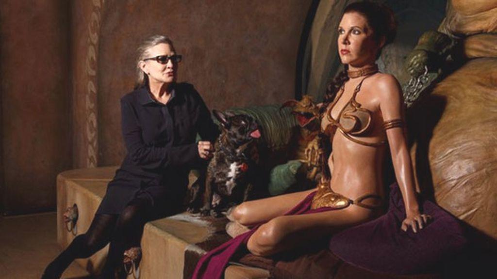 Ambos frente a la icónica figura de cera de la Princesa Leia