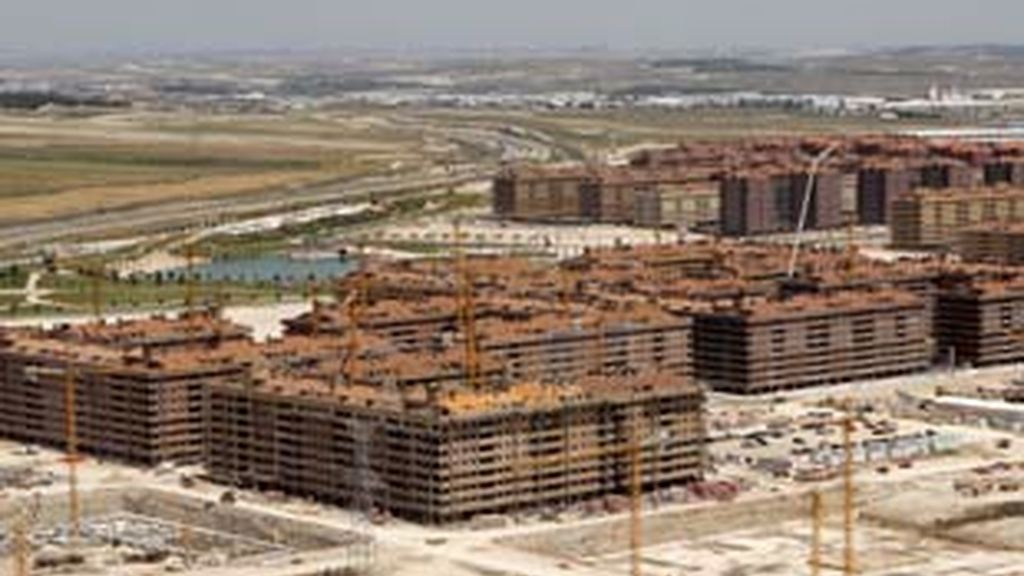 Los precios de la vivienda nueva caen un 6,6% en 2008. Video: Atlas
