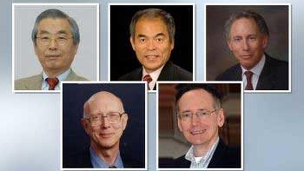 Sumio Iijima, físico; Shuji Nakamura, ingeniero; Robert Langer, ingeniero; George M. Whitesides, químico, y Tobin Marks, químico ha recibo el galardón de Investigación Científica y Técnica. FOTO: Fundación Príncipe de Asturias