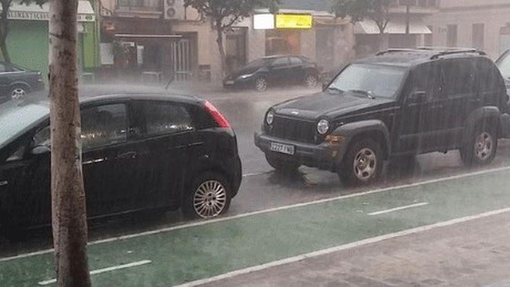 Las tormentas descargan más de 50 l/m2 en cuatro horas en puntos de Valencia