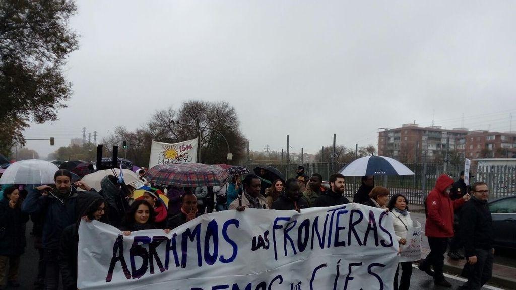 Manifestación en contra del CIE Aluche