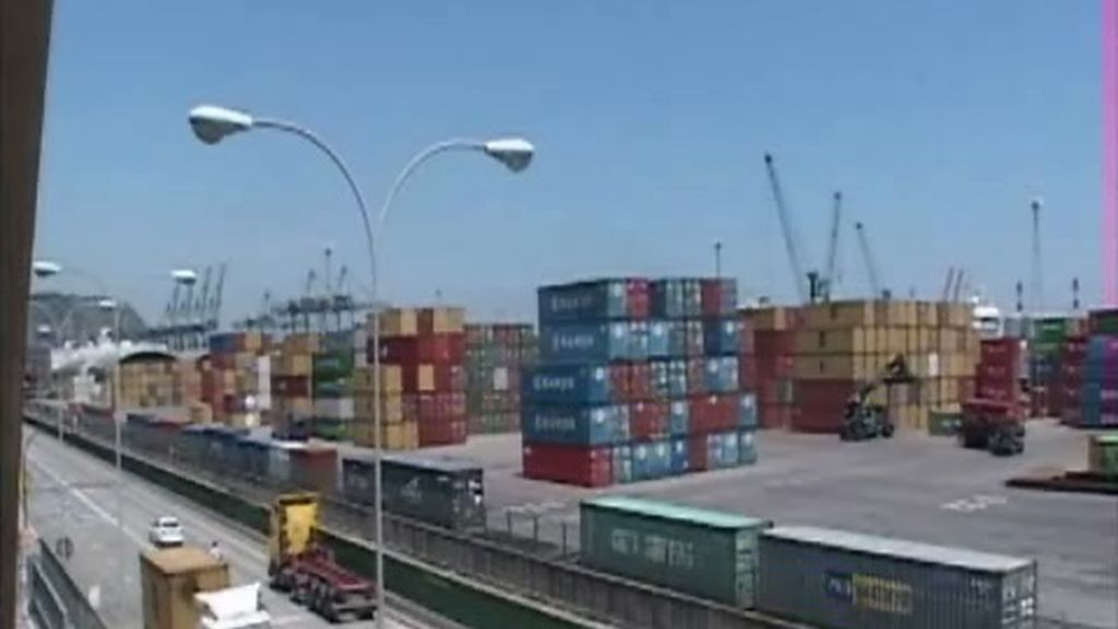 El 80% de los productos que importamos pasan por puertos como este