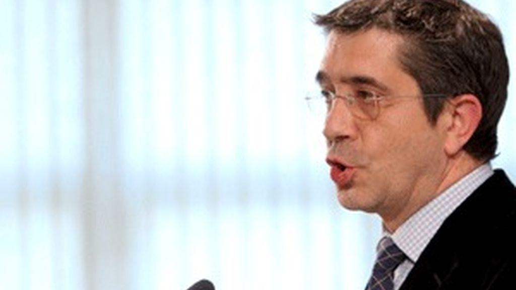 """Patxi López ha acusado a Ibarretxe de haber pronunciado su """"primer mitin electoralista"""". Vídeo: ATLAS"""
