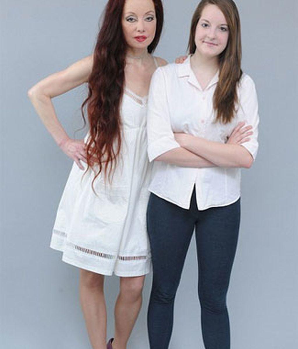 Rachel Namita junto a su madre Nileen. Foto: Mail Online.