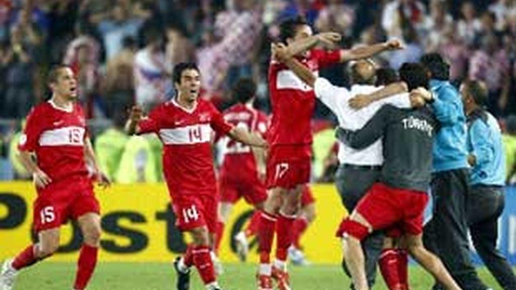 Turquía celebra su pase a semifinales. Foto: EFE