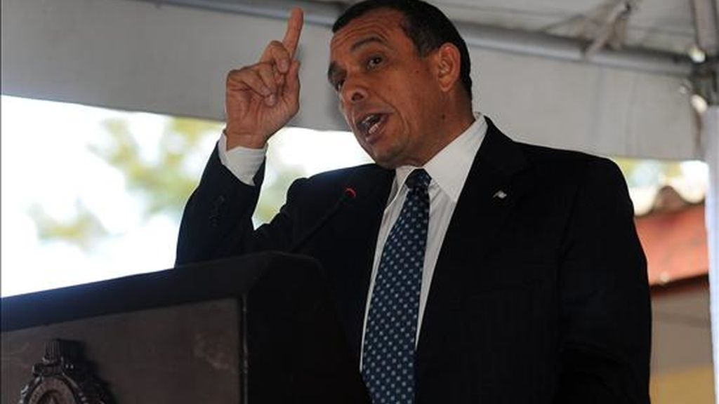 """""""Aunque él (Zelaya) no quiere venir, porque ya lo hubiese hecho, buscamos que su caso se resuelva lo más pronto posible"""", expresó el presidente de Honduras, Porfirio Lobo (en la imagen). EFE/Archivo"""