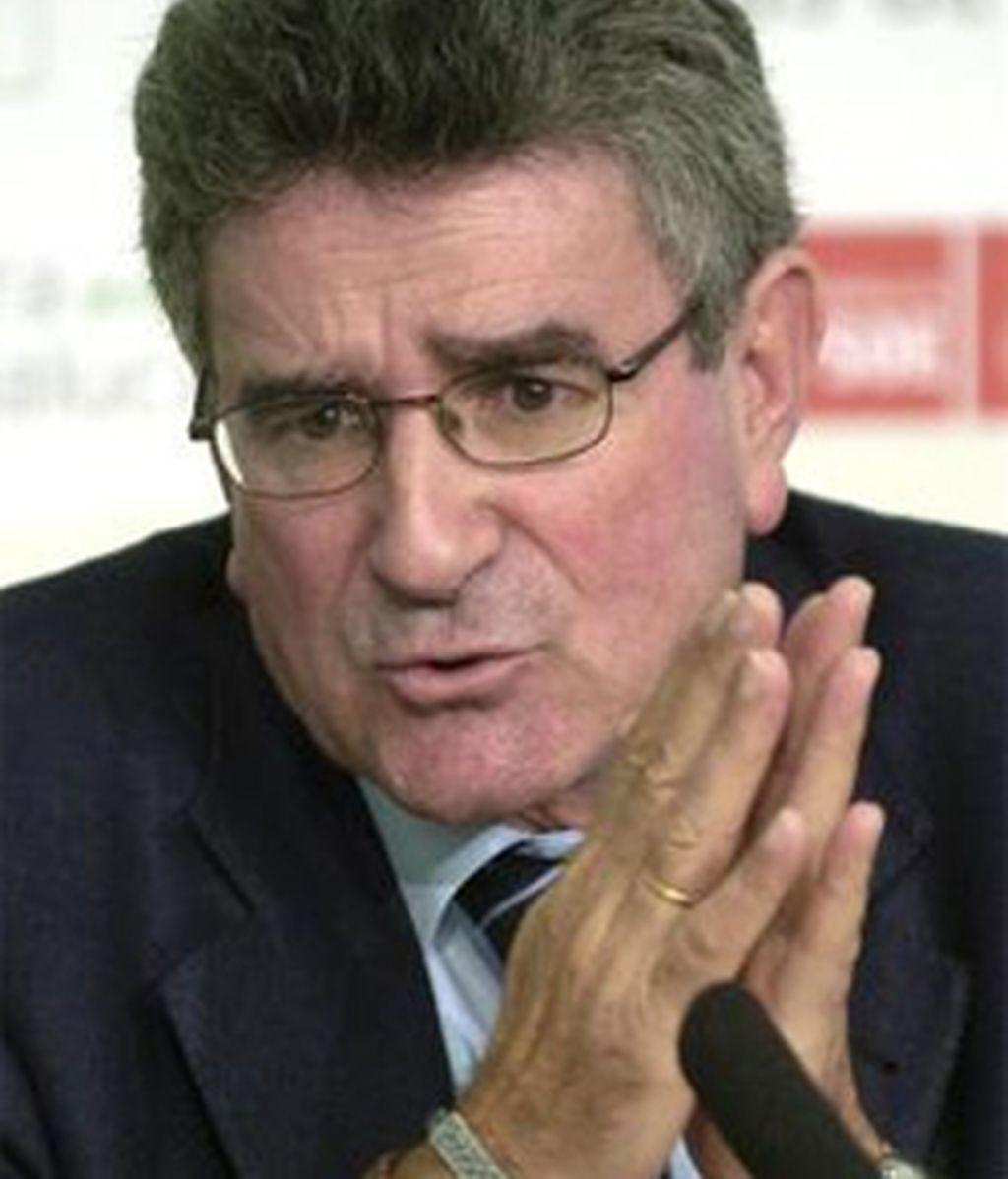 La fuentes socialistas han señalado que su decisión estaría vinculada a la pretensión del Consejo de Gobierno de la Junta de destituir a Gabriel Almagro, delegado de la Junta en Cádiz. FOTO: EFE