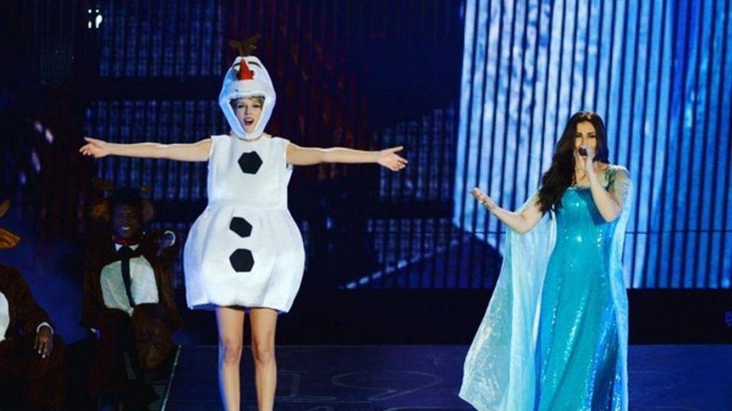 Taylor Swift e Idina Menzel se disfrazan de 'Frozen' por Halloween