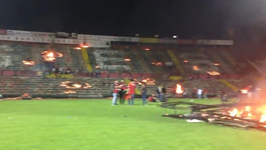 fuego estadio turquía