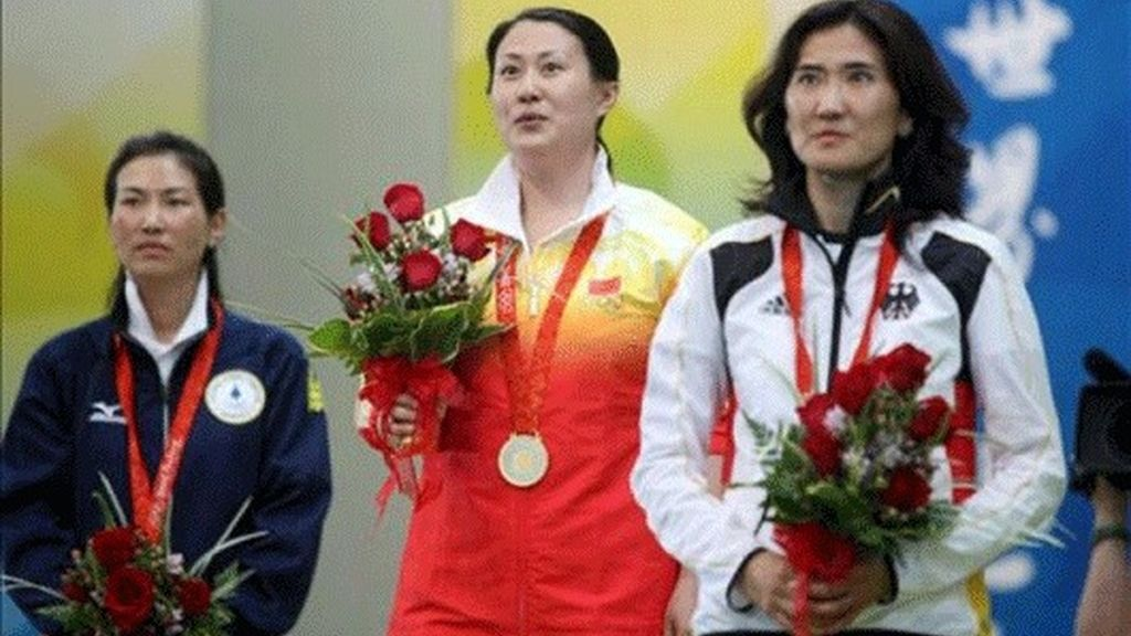 Ying Chen, oro en pistola deportiva 25 metros